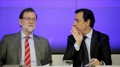 """Rajoy tacha de """"chantaje"""" la ley de desconexión de Puigdemont"""