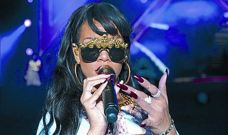 Rihanna denuncia a sus antiguos contables_MEDIA_1