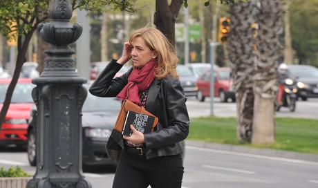 La infanta Cristina, el pasado d�a 8, antes de entrar al edificio de La Caixa, su lugar de trabajo.