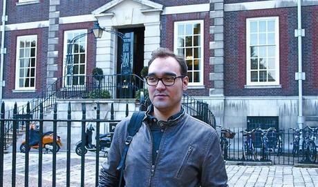 Protagonista 8 Benjamín Serra, ahir a Londres.