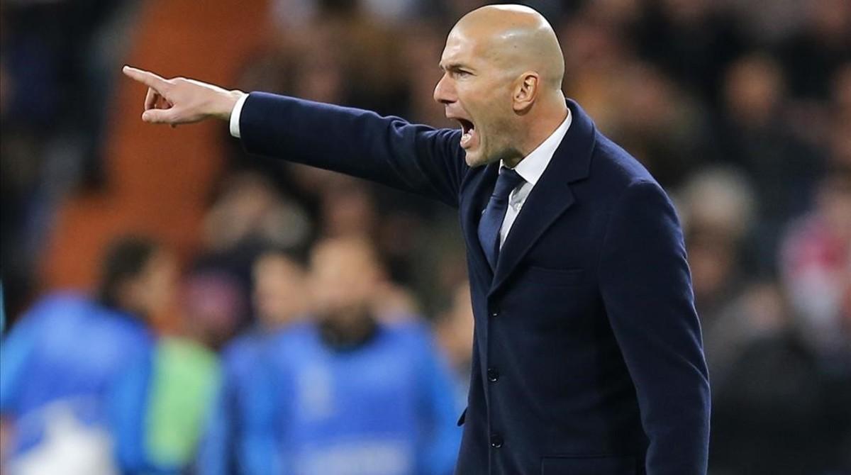 Zidane, durante el encuentro de Champions ante el Roma
