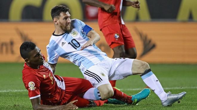 'Hat-trick' de Messi en una nit inoblidable davant Panamà (5-0)