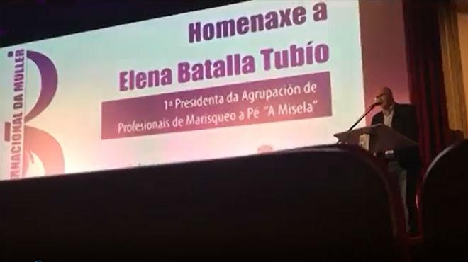 El alcalde de Noia, Santiago Freire, hace chistes machistas en un acto institucional del Día de la Mujer.