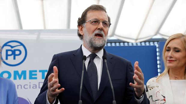 El mal trago de Rajoy a cuenta de sus SMS a Bárcenas