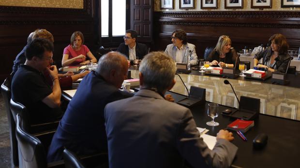 La Mesa del Parlament de Catalunya abre nuevo periodo de sesiones