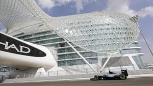 Hamilton llega a Abu Dhabi como campeón