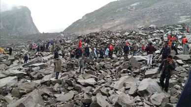 Búsqueda de supervivientes en la zona devastada de Sichuan.