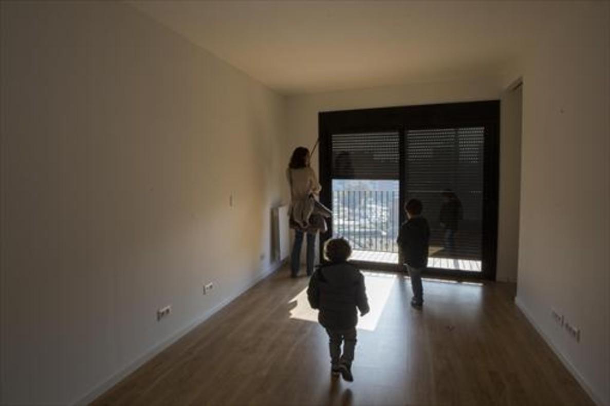 Los pisos a menos de se extinguen en la mayor a for Piso 80000 euros barcelona