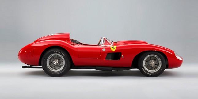Un Ferrari 335 S Spider Scagliatti atribuido a Messi.