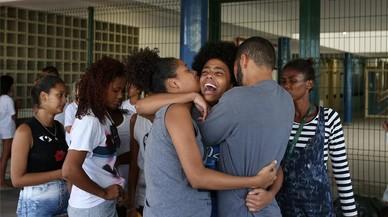Un vídeo en què la policia executa dos sospitosos a Rio causa commoció al Brasil