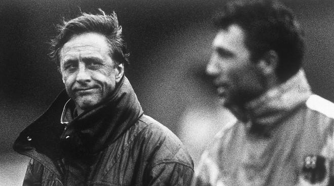 Johan Cruyff y Hristo Stoichkov, en 1990.