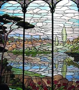 Cultura presenta como in�ditos dos vitrales de Gaud� conocidos