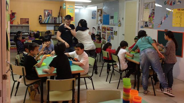 Barcelona empieza a dar meriendas contra la malnutrición infantil