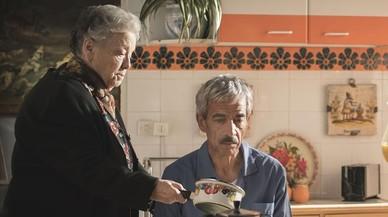 María Galiana (Herminia) e Imanol Arias (Antonio), en una imagen de la serie de TVE-1 'Cuéntame cómo pasó'.