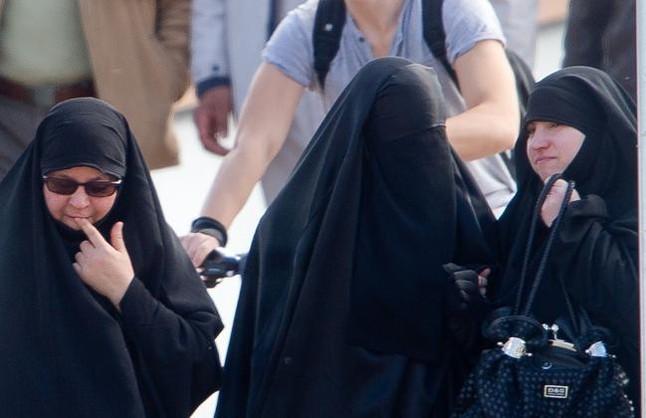 Los Mossos 'censan' a las musulmanas con velo integral