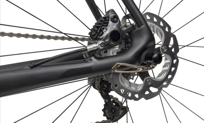 Unos frenos de disco en una bicicleta de carretera
