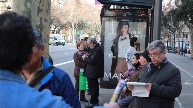 Metro i bus mantenen l'amenaça de vaga durant el Mobile