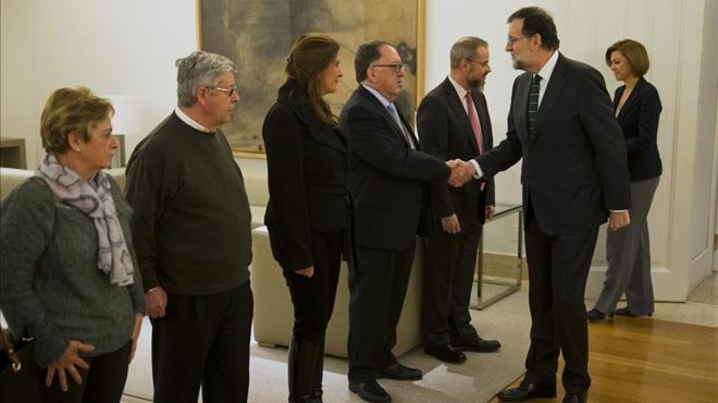 Rajoy rep els familiars de les víctimes del Iak