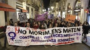 Protesta contra la violencia machista en la plaza de Sant Jaume de Barcelona, en una imagen de archivo