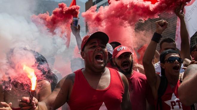 Els escàndols de corrupció fracturen el Brasil