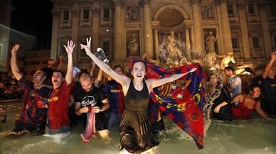Roma persigue el incivismo en sus fuentes históricas con multas de 240 euros