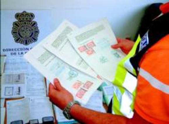 El enga o a 39 sin papeles 39 hace brotar una nueva delincuencia for Trabajos en barcelona sin papeles