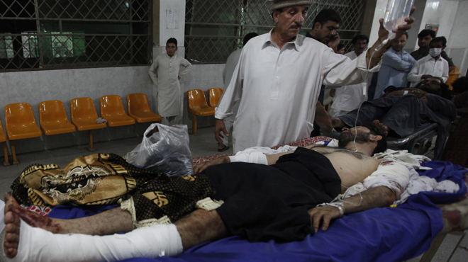 Almenys 45 persones van morir i 261 van resultar ferides en una doble explosió al nord-oest del Pakistan.