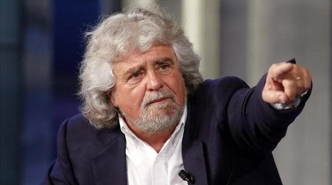 El cómico Beppe Grillo anuncia su retirada de la política italiana