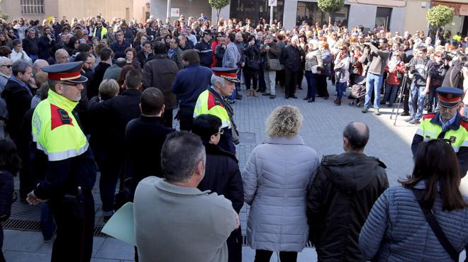 Concentración de condena tras el asesinato a una mujer en Santa Perpètua de Mogoda