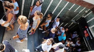 Un herido por arma blanca en una reyerta dentro del metro de la Barceloneta