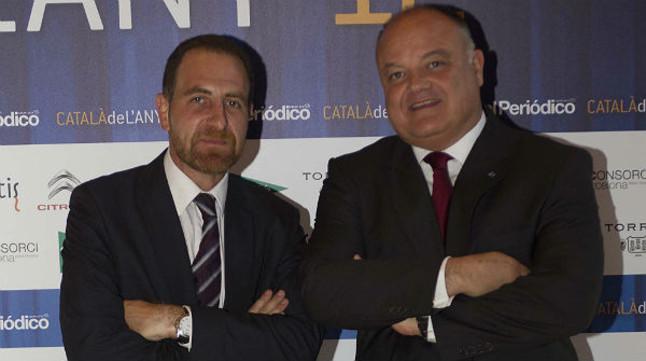 Sergi Loughney (derecha), director corporativo de Relaciones Institucionales de Abertis y director de la Fundación Abertis, junto al director de EL PERIÓDICO, Enric Hernàndez.