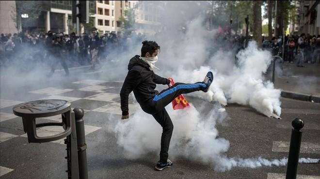 Incidents violents marquen la jornada de protesta contra la reforma laboral d'Holllande