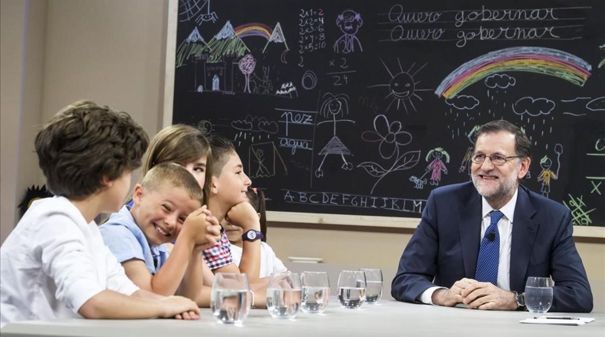 El Gopbierno del PP deja a dos de cada 10 niños en España excluidos del aprendizaje, del conocimiento y de las oportunidades de un futuro mejor