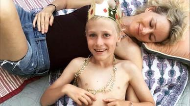 Naomi Watts y su hijo Sasha, celebran el noveno cumplea�os del chico.