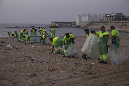 Playas limpias por favor - Agencias de limpieza barcelona ...