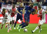 El United anula al Ajax y levanta la Europa League
