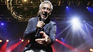 Sergio Dalma, durante su actuaci�n de anoche en Calella de Palafrugell.