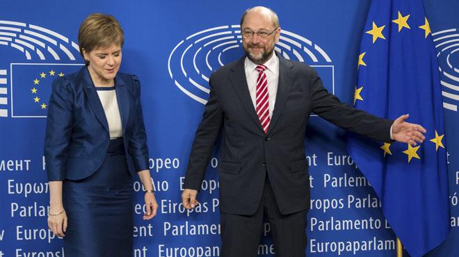 Sturgeon passa a l'ofensiva i explica a Brussel·les el desig d'Escòcia de seguir a la UE