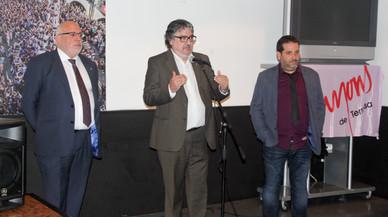 El teniente de alcalde de Cultura, Innovaci�n y Proyecci�n de Terrassa, Amadeu Aguado, participa en la presentaci�n de la Semana Catalana de Singapur junto a los Minyons.