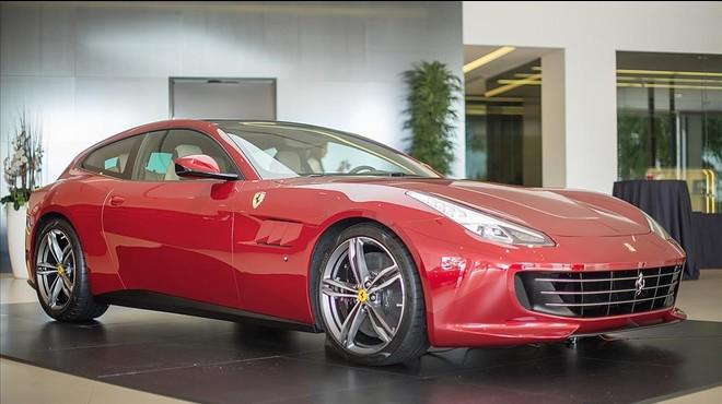 Ferrari GTC4 Luso