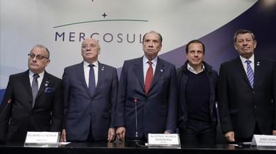 """Mercosur expulsa Veneçuela """"per temps indefinit"""" i aïlla encara més Maduro"""