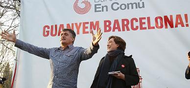 Ada Colau recibe el apoyo del Gran Wyoming en un acto en Barcelona