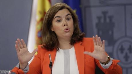 La vicepresidenta del Gobierno, Soraya S�enz de Santamar�a, en la rueda de prensa posterior al Consejo de Ministros.