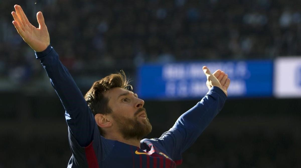 Leo Messi celebra, en el Bernabéu, su gol de penalti.