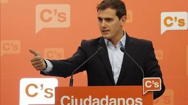 Rivera avisa Rajoy que no recolzarà retallades socials ni pujades d'impostos