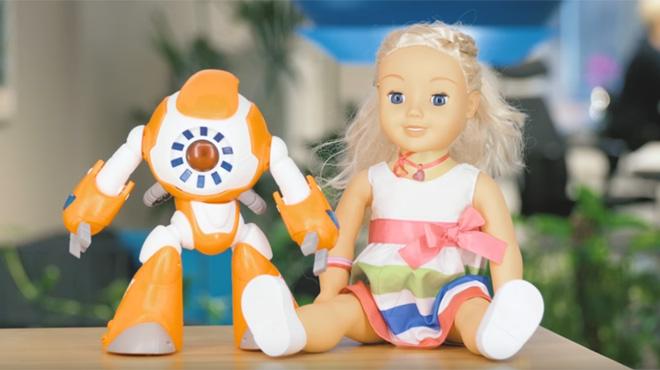 Atenció: aquestes joguines connectades a internet poden espiar els teus fills