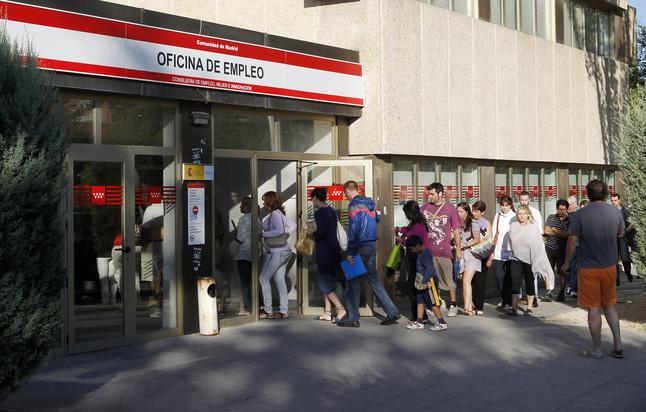 Empleo justifica el retraso en cobro de 400 euros for Oficina empleo madrid