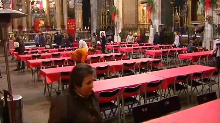 La Comunitat Sant Egidi acosta el Nadal a 1.300 barcelonins en perill d'exclusió