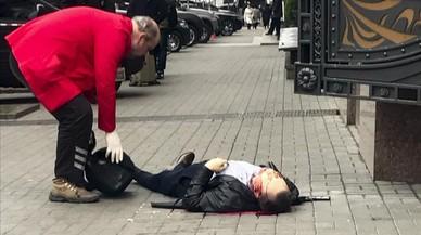 Denis Vornenkov tendido en el suelo tras recibir los disparos.