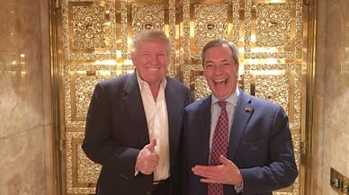 Trump con coleta